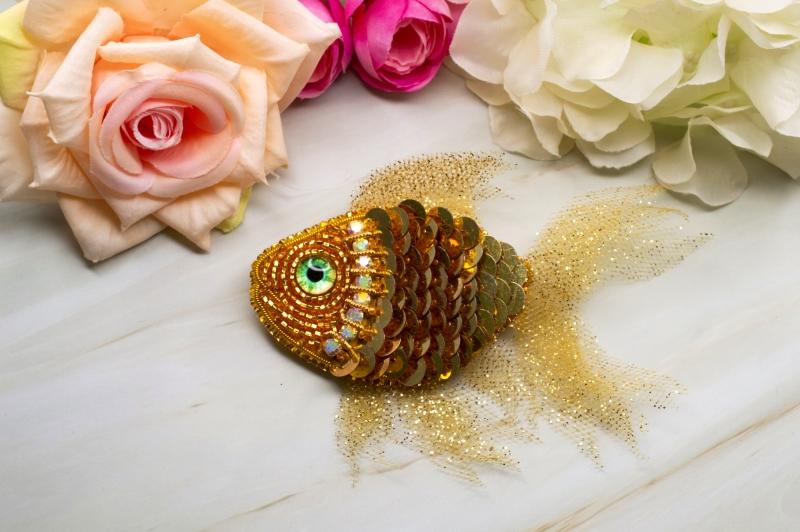 Брошь Золотая рыбка своими руками
